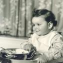 011_das-junge-maedchen-beim-essen